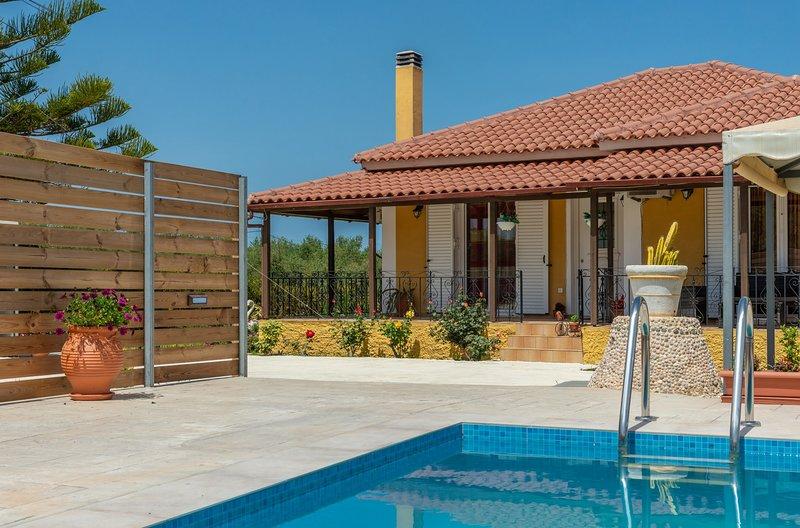 Toscana Villa 1 - 2 bedroom private pool villa, vakantiewoning in Zakynthos Town