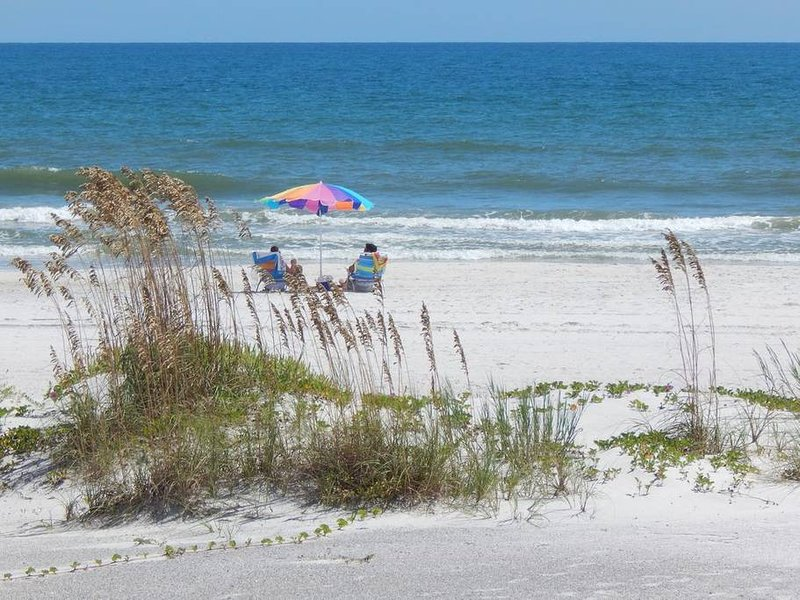 Direct Ocean Front End Unit (#8), vacation rental in Saint Augustine Beach