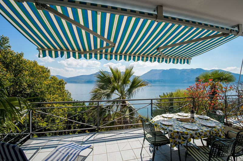 Cordan apartment with terrace lake view in Oggebbio, holiday rental in Aurano