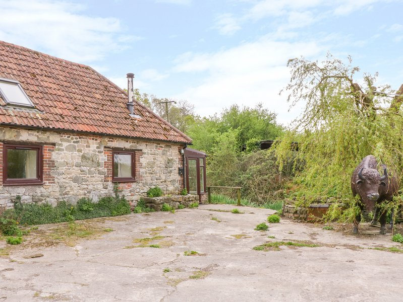 BUSH FARM ANNEXE, WiFi, enclosed garden, West Knoyle, casa vacanza a Bourton
