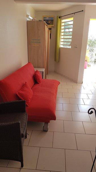 Nice studio with garden & Wifi, casa vacanza a Fort-de-France