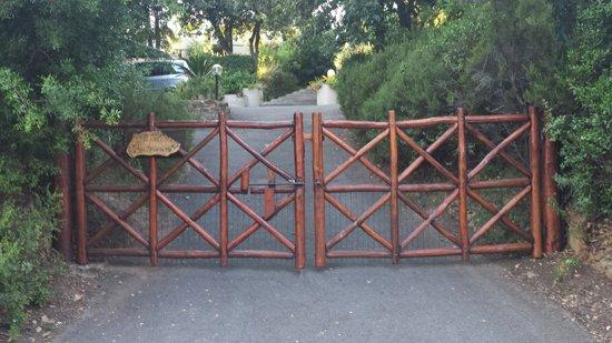 The entrance gate to Villa Francesca - Villa Francesca's entrance gate