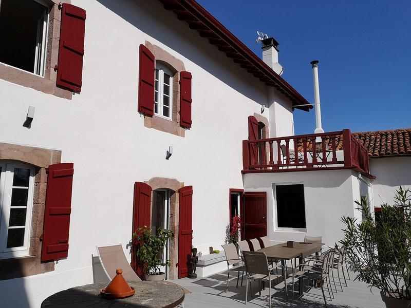 Maison Chalbonia--Chambre  Luhuso, holiday rental in Bidarray