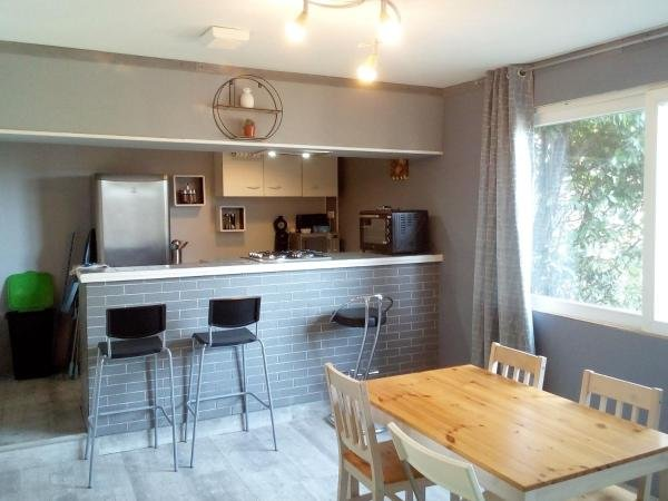 Nice house with terrace & Wifi, holiday rental in Le Manoir