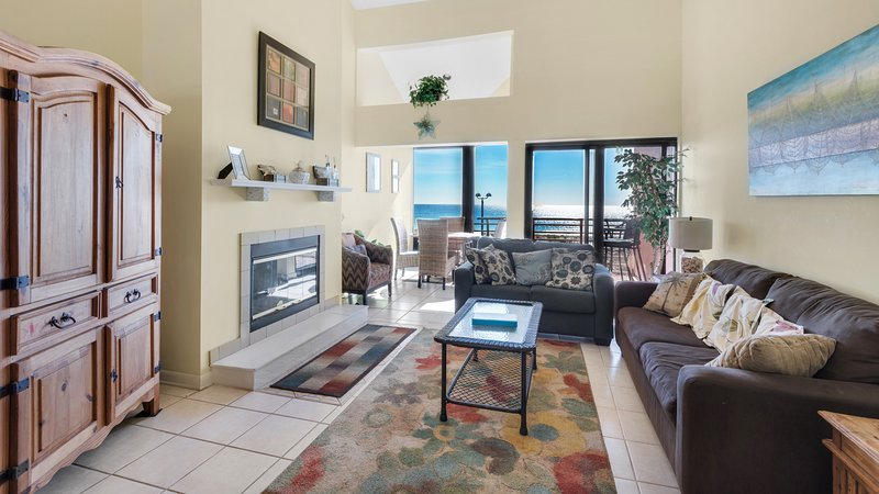Palm Beach Club 230-2 (2 bed/2bath Gulfview Condo)