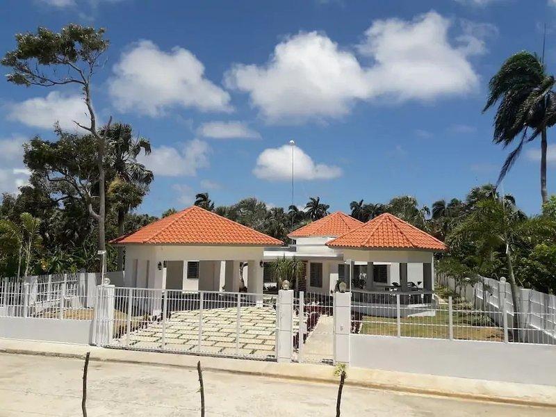 Villas HL Cabrera, holiday rental in Maria Trinidad Sanchez Province