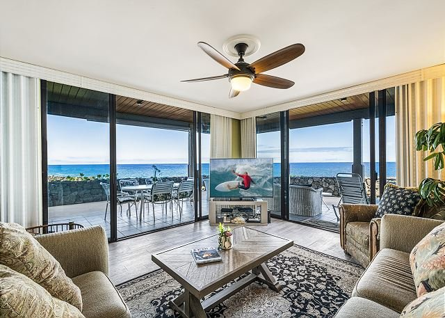 KKSR#5104 DIRECT OCEANFRONT, BEST GROUND FLOOR CORNER! REMODELED!, AC!!!, alquiler de vacaciones en Kailua-Kona