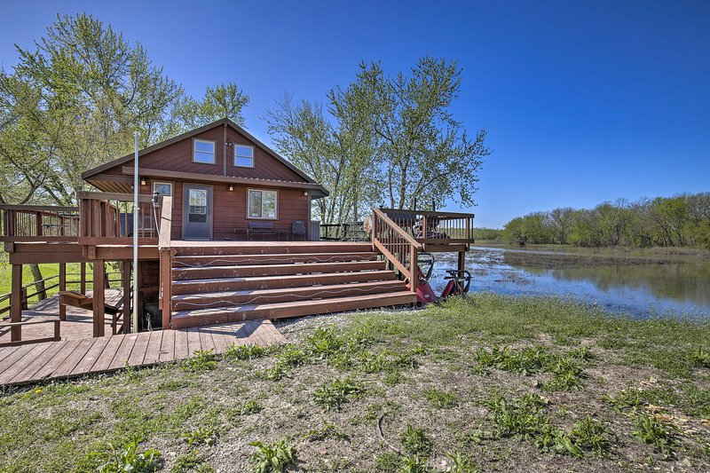 Lodge on 240 Acres w/ Deck, Grill & Fire Pit!, vacation rental in Triplett