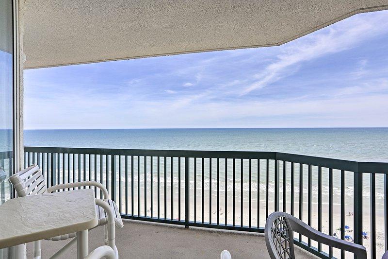La spiaggia è così vicina come sembra a questa casa vacanze North Myrtle Beach!