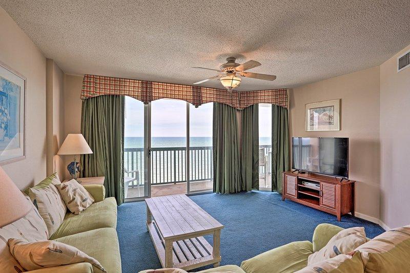 Non c'è posto migliore per un ritiro sulla spiaggia di questo condominio con vista sull'oceano!