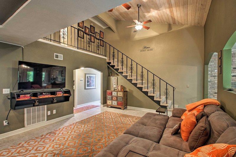 ¡Las familias y grupos de amigos amarán esta casa de pueblo en Pensacola!