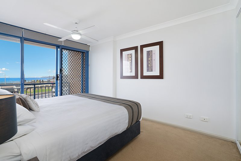 Newcastle Short Stay Apartments - Sandbar Newcastle Beach, vacation rental in Newcastle