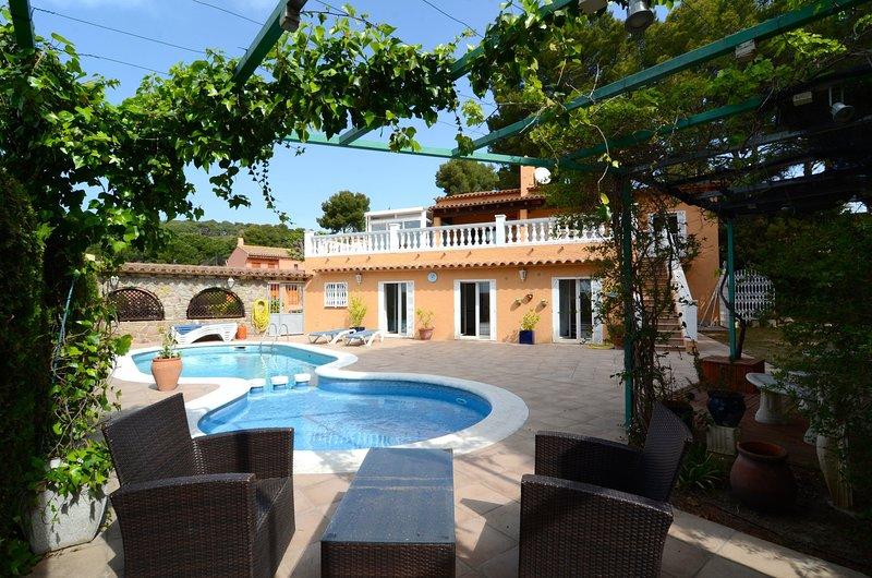 VILLA FLOROSA, Ferienwohnung in Gualta