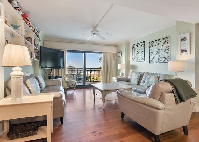 Ocean One 419 -Updated Lovely Oceanfront 4th Floor Condo, vacation rental in Hilton Head