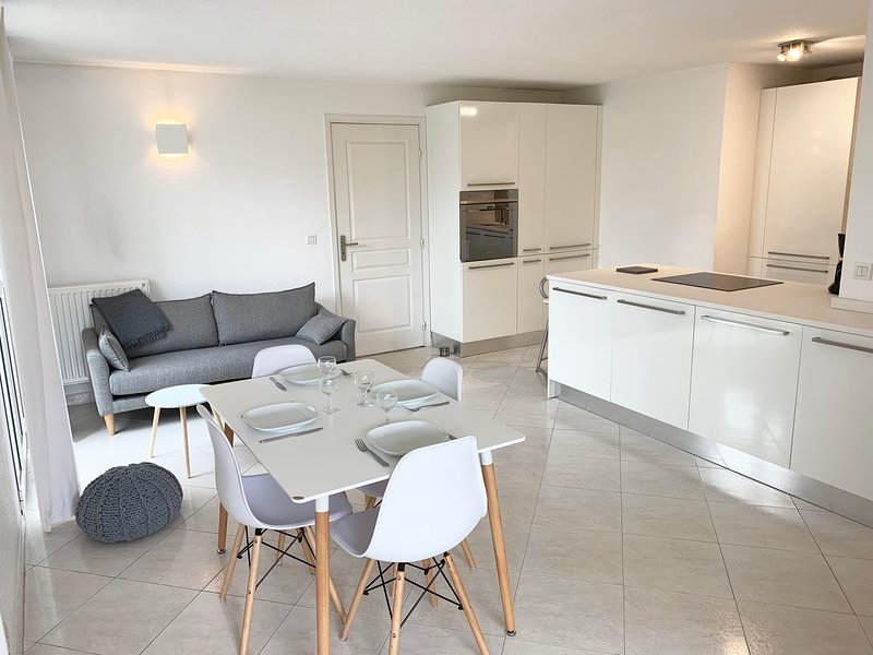 Living room, Kitchen, Dining room