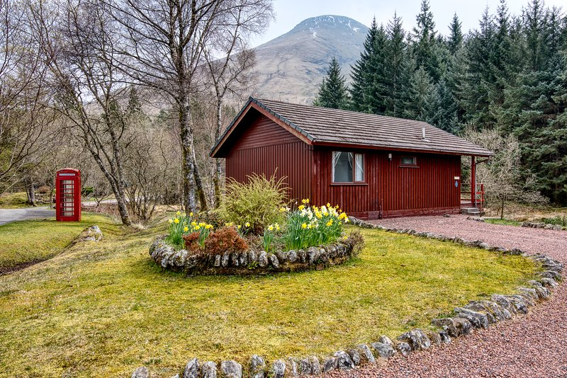 Whooper chalet, holiday rental in Tyndrum