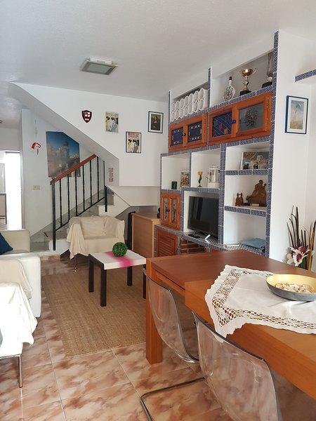 CASA 3 DORMITORIOS CON AIRE ACONDICIONADO, alquiler de vacaciones en Santiago de la Ribera