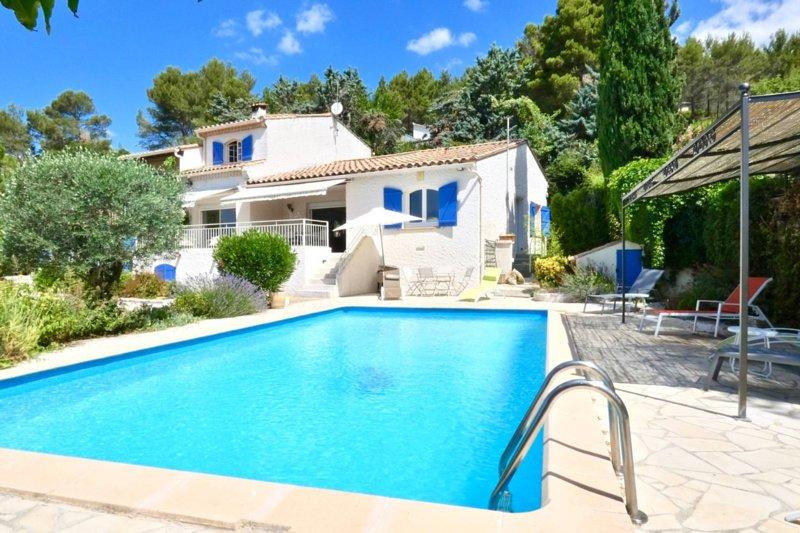 MAGNIFIQUE VILLA AVEC PISCINE, GRABELS Montpellier, casa vacanza a Grabels