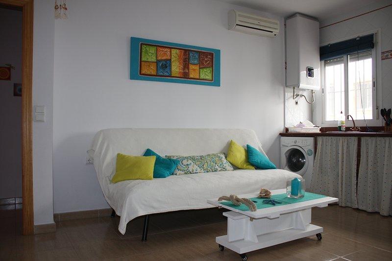 Apartamento de 1 dormitorio en Conil de la Fronter, holiday rental in El Palmar de Vejer
