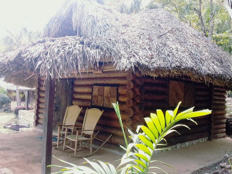 Cabañas Sierraverde Huasteca potosina 'PALO DE ROSA', location de vacances à San Luis Potosi