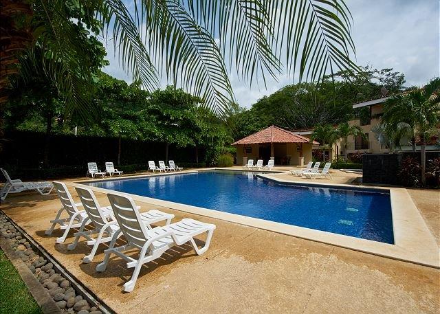 Vista Ocotal Pool (on-site)