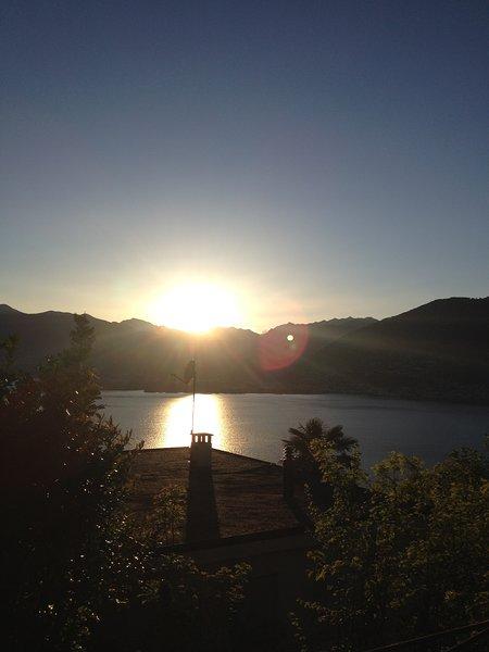 Casa Ines in Orgnana Mit der wunderschönen Seesicht finden Sie Ruhe und Erholung, holiday rental in Cugnasco