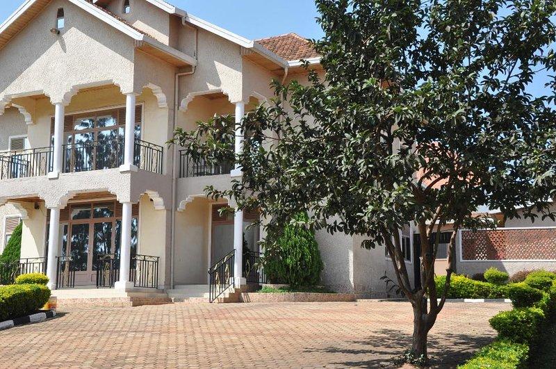 LUXIRIOUS HOUSE KANOMBE, vacation rental in Rwanda