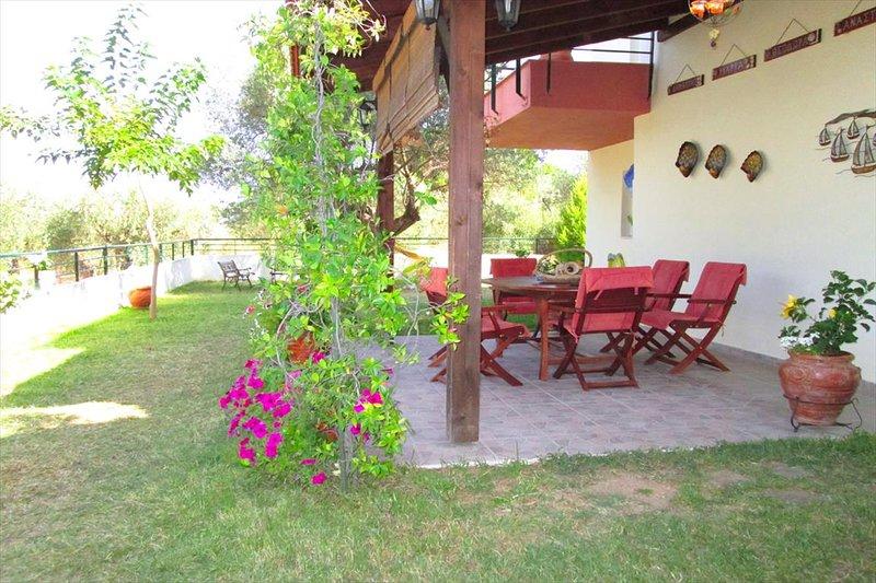 BILLIAS HOUSE VOURVOUROU, holiday rental in Vourvourou