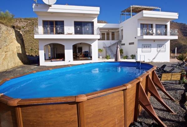 VILLA RURAL CORTIJO DEL FRANCÉS Finca 24has, coto caza,5min playa-ciudad,piscina, holiday rental in Adra