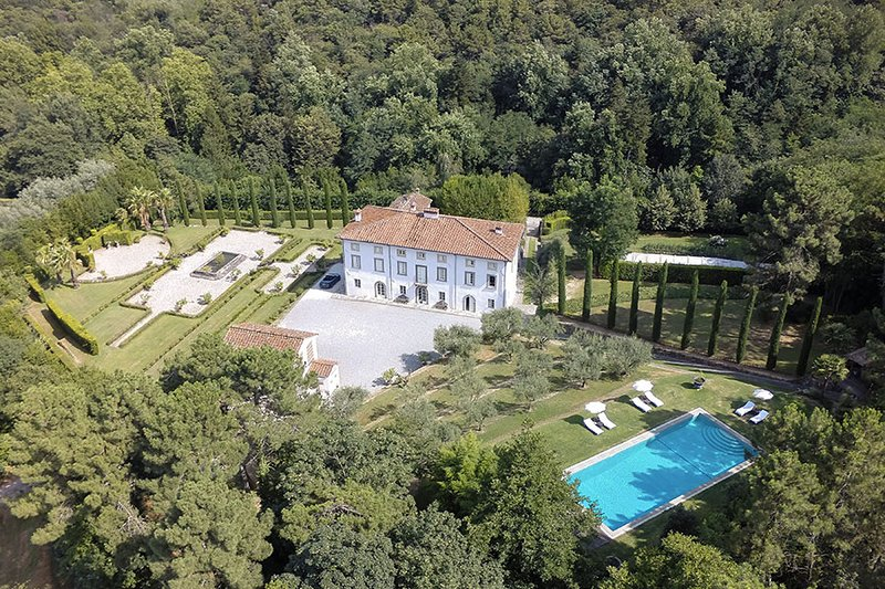 Villa Aria If rented for 16 people, vacation rental in Colle di Compito