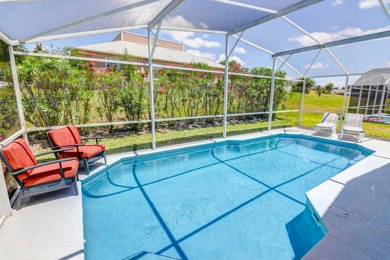 Southern Breeze Great Pool Space!, alquiler vacacional en Lake Hamilton