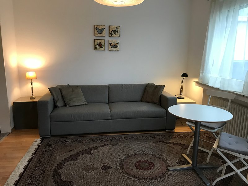 Apartment mit Doppelbett, vacation rental in Willich