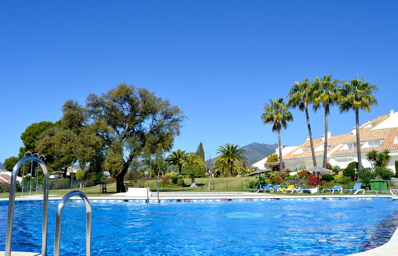 3 Bed Town House with swimmingpool near Banus&Golf, vacation rental in Marbella
