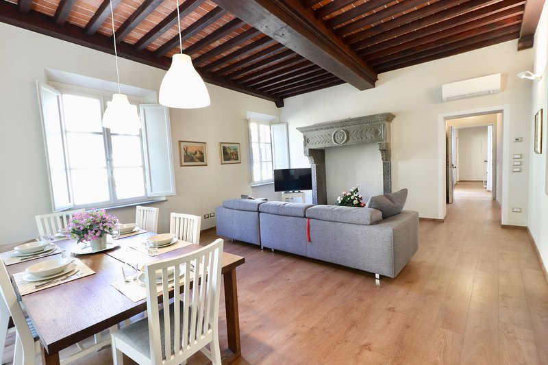 Casa Anna in center of Lucca for 6, holiday rental in Lucca