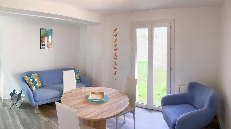 Maison rénovée (5 mn. à pieds du centre-ville), casa vacanza a Nieul sur Mer