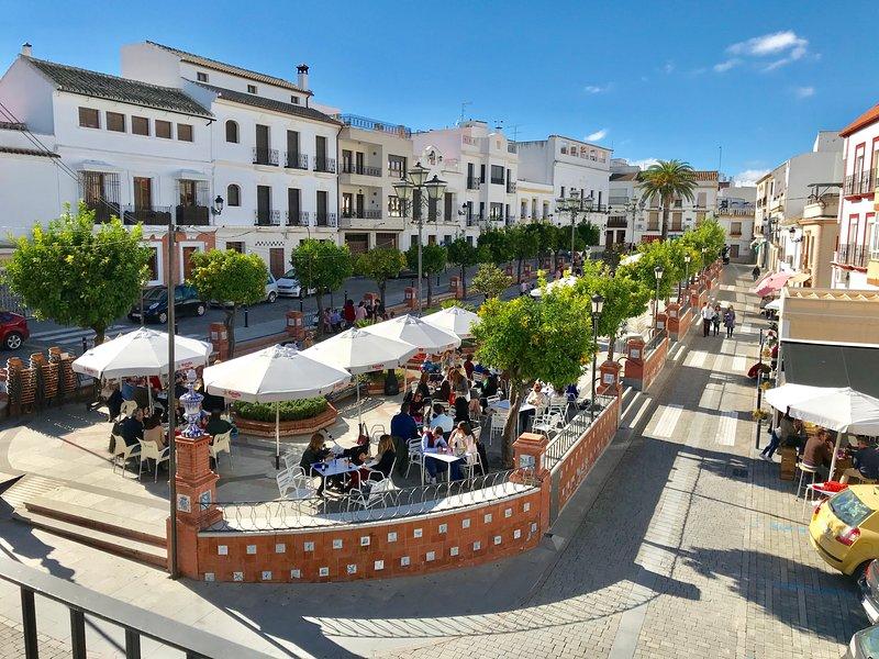 """Piso en El """"Paseo"""", Centro de La Rambla (Córdoba), aluguéis de temporada em Puente Genil"""
