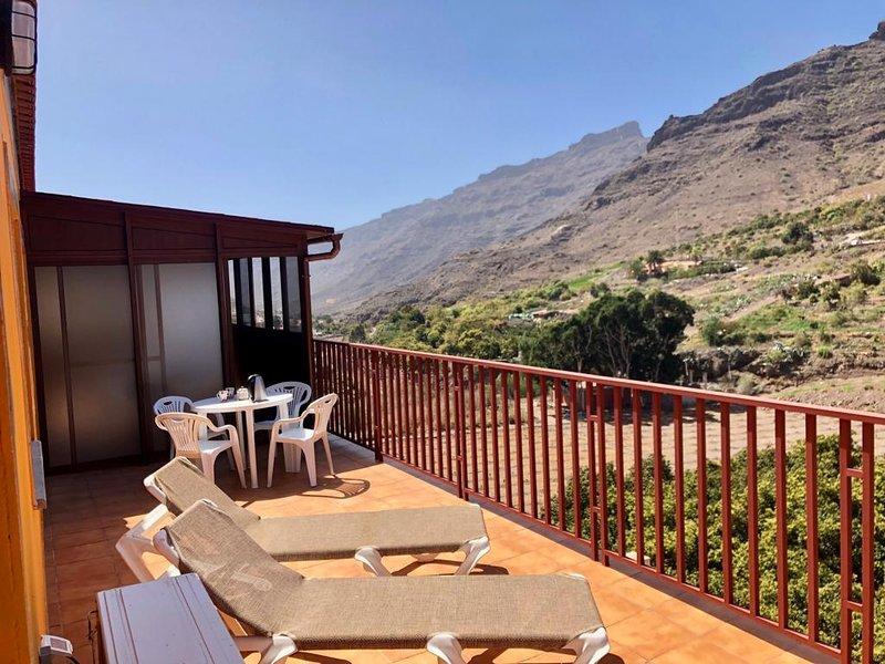 APARTAMENTO LAS TEJAS MOGAN, holiday rental in Cercados de Espinos
