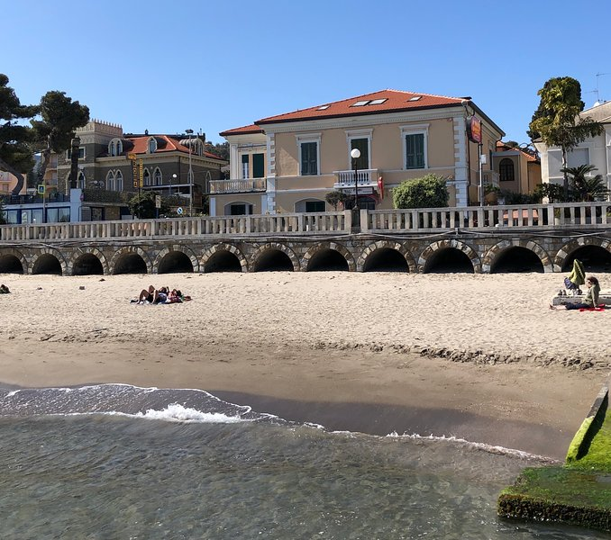 CITRA 008027-LT-0151 Diano Marina bilocale in villa, fronte mare, vacation rental in Diano Marina