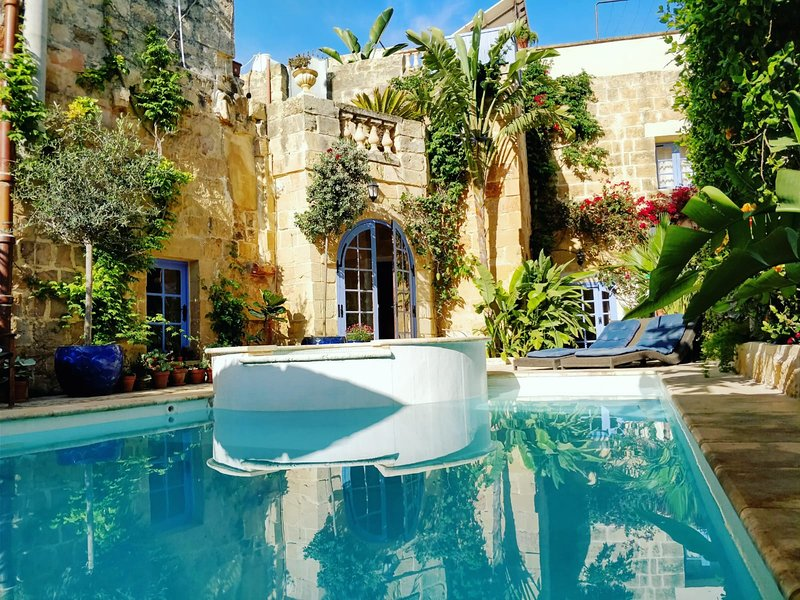 Il KIOSTRO 3 Bedroom Villa with Pool, alquiler de vacaciones en Isla de Malta