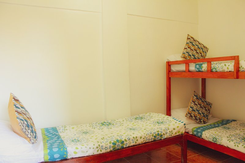 JV Private Beach House, holiday rental in Liloan