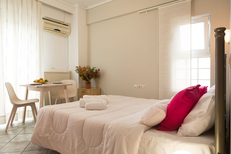 Apartment near SeaFront with free parking, vacation rental in Oraiokastro