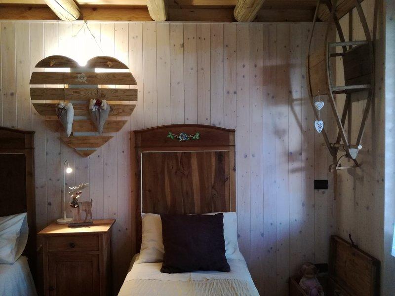 LOCAZIONE TURISTICA AL BELVEDERE, holiday rental in Tonadico