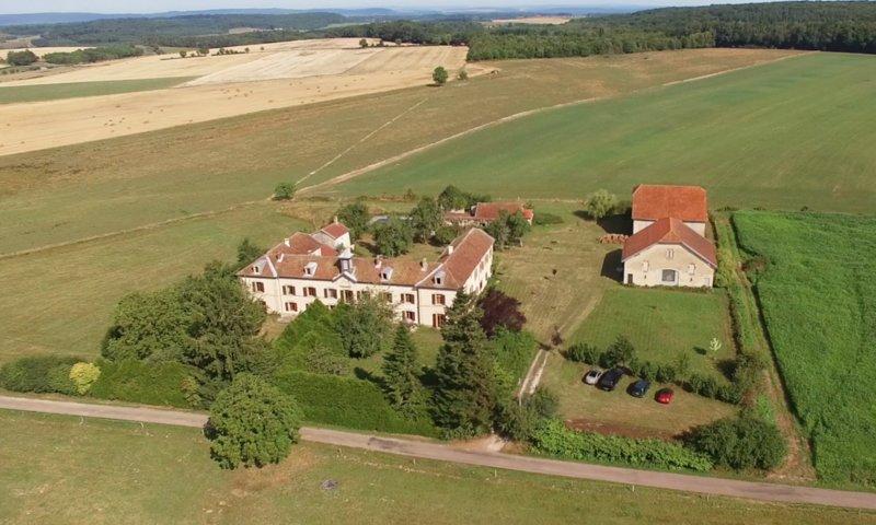 Chateau de Gressoux, location de vacances à La Roche-Morey