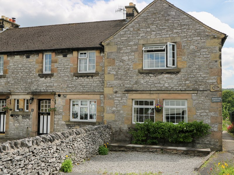 DIMBERLYNE COTTAGE, character, WiFi, countryside, in Youlgreave, ref:955029, vacation rental in Newhaven