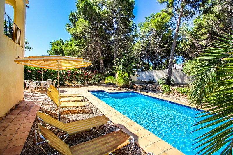 El Pinar - sea view villa with private pool in Moraira, holiday rental in La Llobella