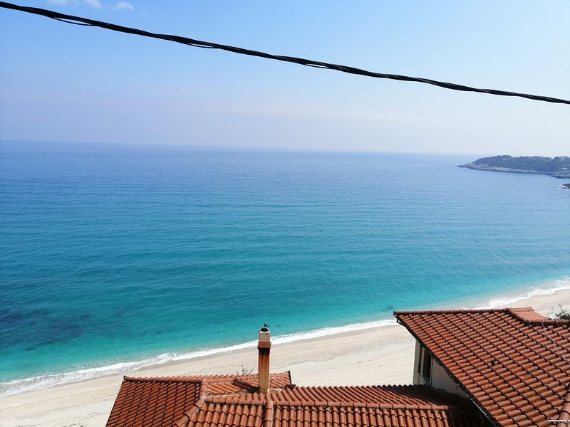Uranous Blue Luxury Villa Agios Ioannis Papa Nero, alquiler vacacional en Agios Ioannis