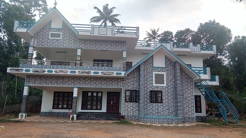 Welcome to Dr. Sanu's Homestay, Tours, Ayurveda and Naturopathy treatments, vacation rental in Kanchiyar