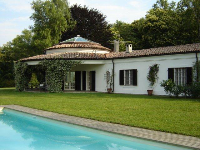 Villa Lagoni, location de vacances à Oleggio Castello
