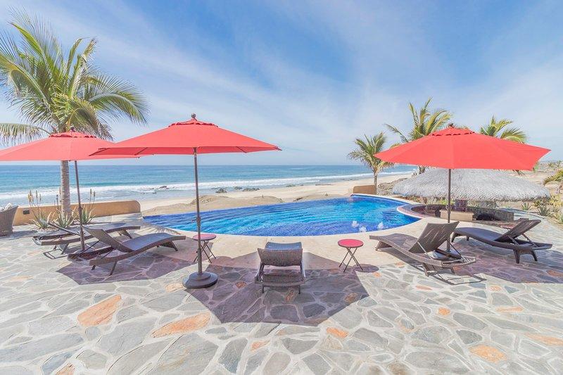 Luxury Beachfront Villa, vacation rental in El Pescadero