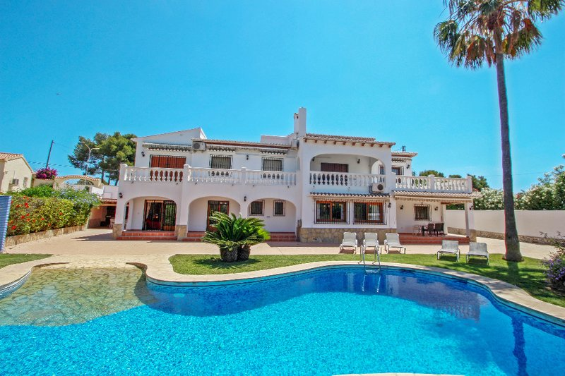 Ana y Paco - pretty holiday property with private pool in Benissa, casa vacanza a Benissa